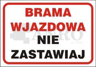 Brama_wjazdowa_nie_zastawiaj